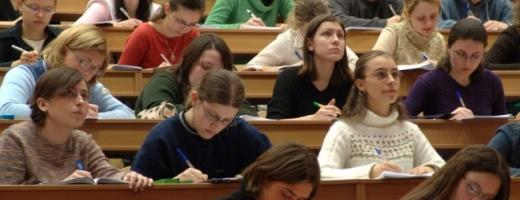 Universitarii pensionabili trec la plata cu ora