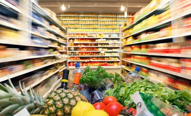 Ce cumpără clujenii din hipermarketuri şi supermarketuri?