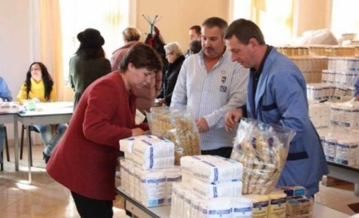 Dezinteres față de ajutoarele comunitare la Turda: 1.000 de persoane nu și-au ridicat produsele!