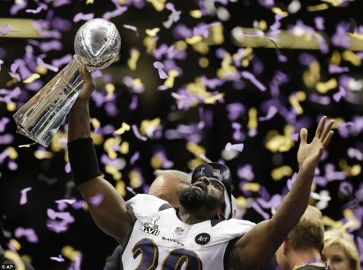 Gala Super Bowl, difuzată în acest an pentru prima dată live şi în Europa
