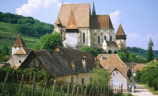 Transilvania, în Top 10 destinații de vacanță inedite, recomandate de CNN. Ce i-a impresionat pe americani