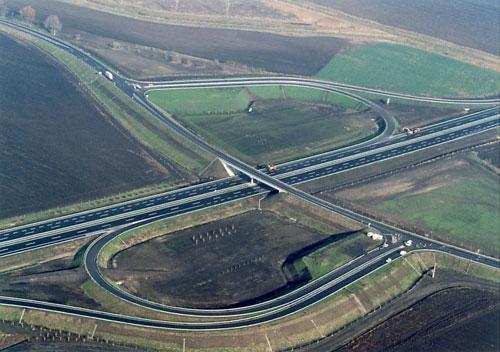 Anul acesta, în România ar putea fi finalizați maxim 60 km de autostradă, susţin reprezentanţii grupului american Louis Berger