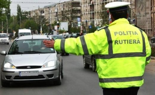 Un şofer de 44 de ani a fost urmărit în trafic de două echipaje de poliţie clujene