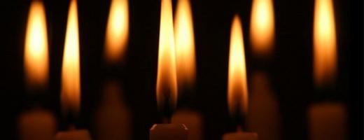 Studenţii UMF Cluj şi-au comemorat colegii morţi în tragedia aviatică