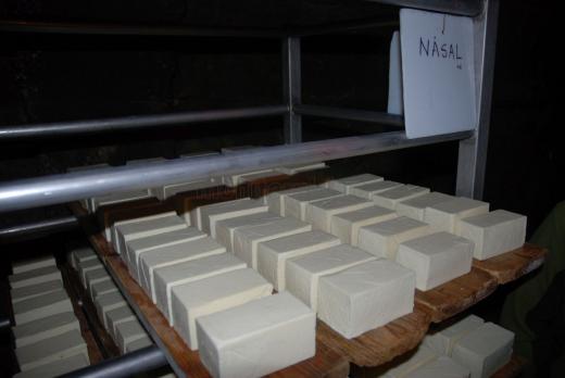Celebra brânză de Năsal reapare pe piaţă. Preţul va fi mai mic - FOTO