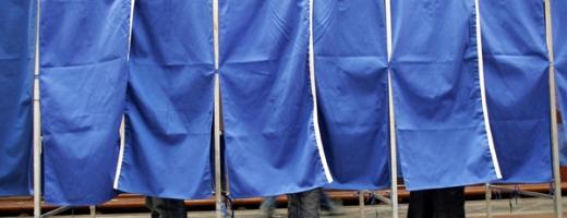 Cetăţenii moldoveni votează astăzi pentru a-şi alege Parlamentul