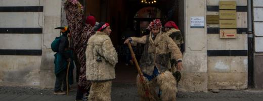 """""""Mascații"""" au umplut centrul orașului – GALERIE FOTO"""