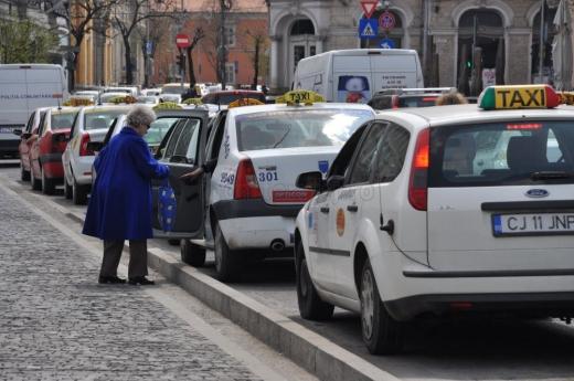 Un consilier local vrea tarife mai mici la transportul cu taxiul. Sunteți de acord?