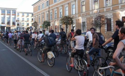 Bicicliștii clujeni ies din nou în stradă