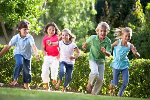 Indemnizaţia minimă de creştere a copilului creşte de astăzi de la 600 lei la 1.063 de lei. Toate modificările, aplicate de la 1 Iulie