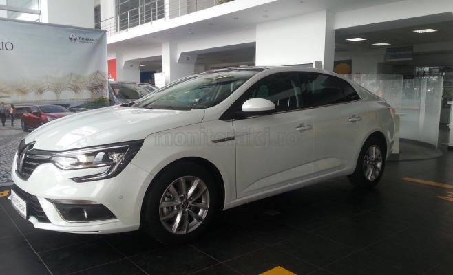 Noul Megane Sedan are un design dinamic şi elegant.