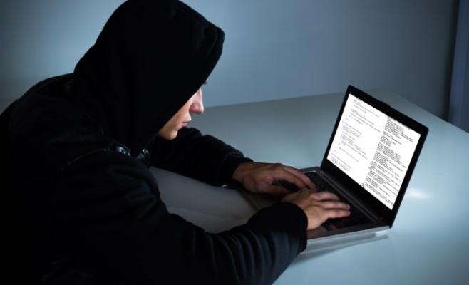 Programatorii vor participa la un maraton de 50 de ore în care vor dezvolta aplicații mobile. Sursa foto: www.defensetech.org