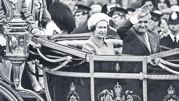 Nicolae Ceausescu vizita regina Angliei