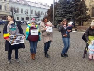 mamicile la protest, sursa foto: radio cluj