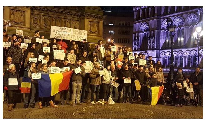 Aproape 100 de români s-au strâns duminică în Albert Square din Manchester
