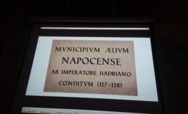 """Emil Boc: """"Vom amplasa plăcuţe multilingve la intrare în oraş"""". VEZI cum vor arăta acestea"""