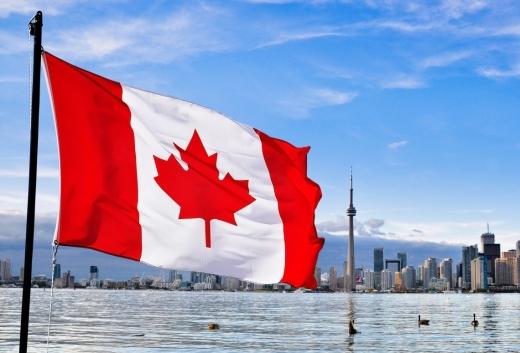 Primii români care vor circula, începând de azi, fără vize în Canada