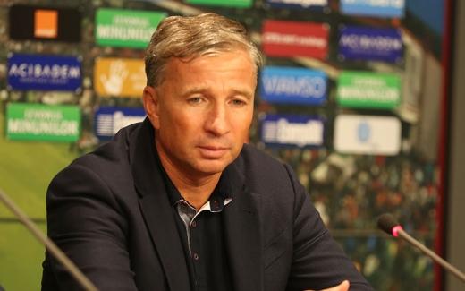 Petrescu, sursă foto: prosport.ro