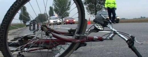A lovit un biciclist şi a părăsit locul accidentului