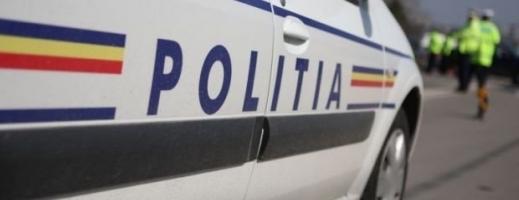 Beată la volan şi cu 4 copii în maşină. O femeie le-a dat bătăi de cap poliţiştilor clujeni.