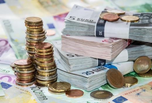 Creștere minoră a euro