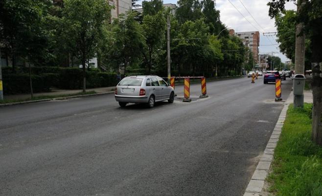 Masina parcata pe Bulevardul Titulescu