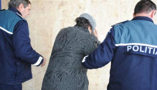 Femeie arestată pentru comiterea mai multor înșelăciuni
