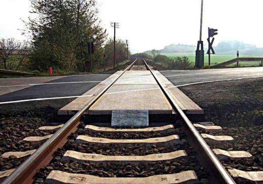 Regionala CFR Cluj pune la bătaie 4,7 mil. € pentru modernizarea trecerilor la nivel cu cale ferată, sursă foto: Portal Feroviar