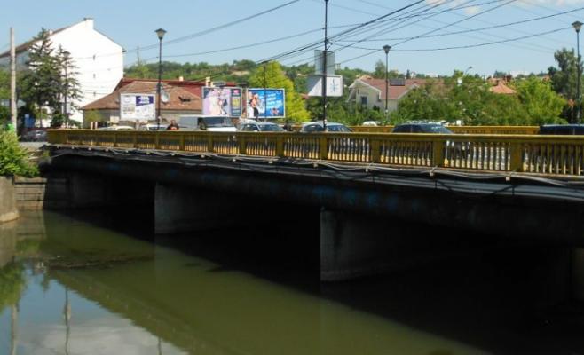 Ismét lefújták! A kolozsvári Garibaldi híd felújítására ismét várni kell