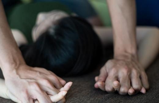 Letartóztatták, miután brutálisan megerőszakolt egy aranyosgyéresi fiatal lányt
