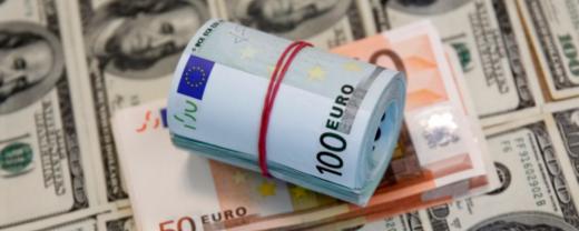 Euro a urcat aproape de 4,73 lei