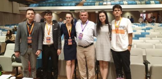 Studenți UBB s-au întors cu premii de la un concurs internațional organizat în Indonezia