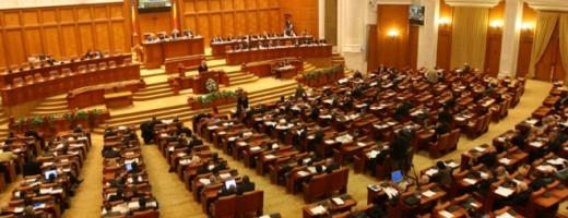 """Alianța USR-PLUS """"zdrobește"""" în sondaje, PSD în picaj imens, Klaus Iohannis nu are rival"""