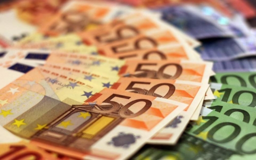 A treia ședință cu euro la 4,72 lei