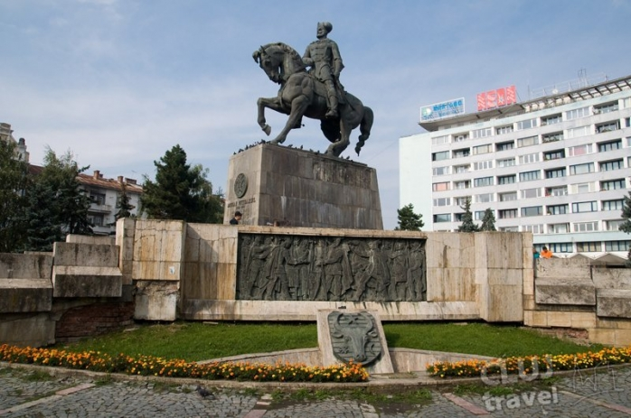 Piaţa şi statuia lui Mihai Viteazu din Cluj-Napoca