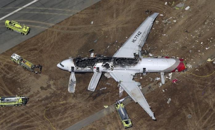Avionul companiei Asiana Airlines prăbușit pe pista din San Francisco
