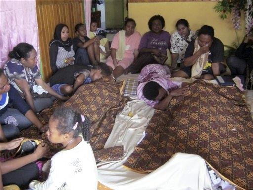 17 oameni au murit în busuclada creată la finalul unui meci de box din Indonezia. Sursa foto: http://www.sacbee.com
