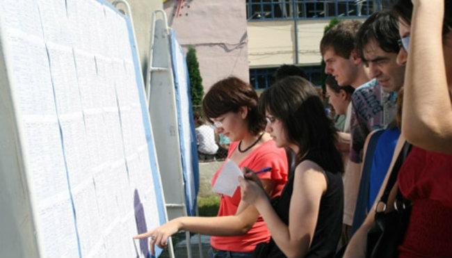 51,26% dintre candidaţi au promovat examenul naţional de definitivare