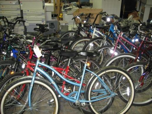 Poliţiştii clujeni au prins ieri trei hoți de biciclete care