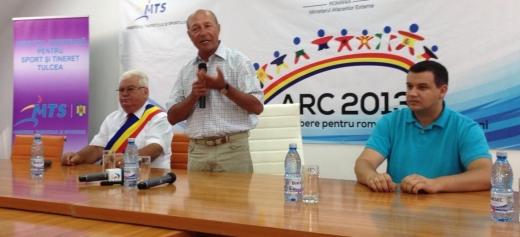 Președintele Traian Băsescu, la Sulina, alături de deputatul Eugen Tomac. Foto: https://www.facebook.com/PresedinteleTraianBasescu