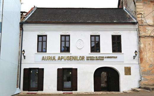 Prima clădire restaurată din Centrul Istoric Roşia Montană