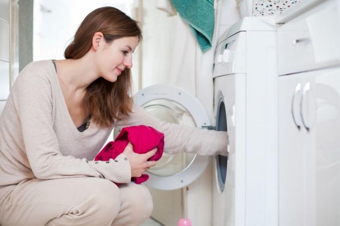 Spălarea rufelor la temperaturi scăzute nu distruge bacteriile, iar acestea ne pot afecta