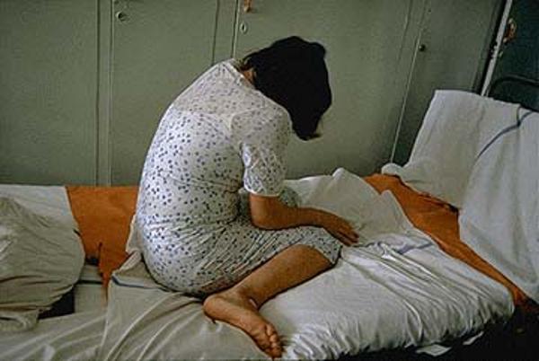 O femeie de 35 de ani din localitatea Mera a fost violată de doi tineri