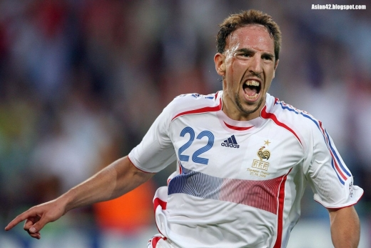 Mijlocaşul echipei Bayern Munchen, Franck Ribery, a fost ales cel mai bun jucător al sezonului 2012/2013 în Europa