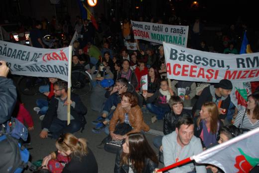 Protest împotriva exploatării aurului de la Roșia Montană, în centrul Clujului
