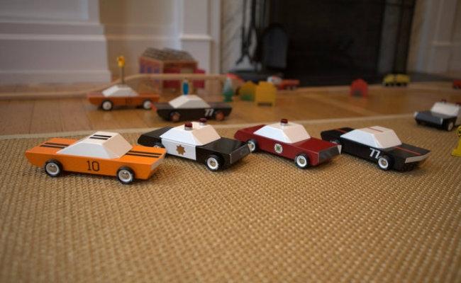 Maşinuţe vintage americane. Sursă foto: www.promotor.ro