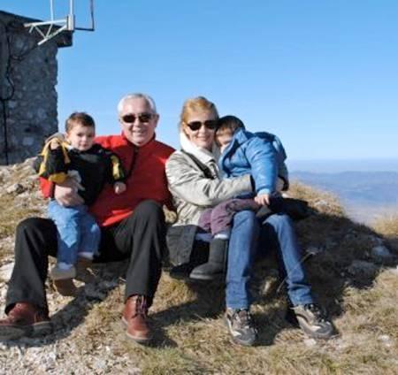 Soţul cântăreţei Sanda Ladoşi a fost ARESTAT