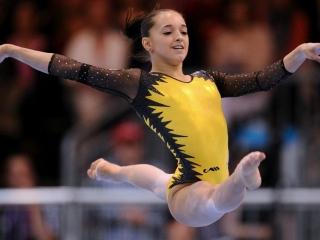 Gimnasta Larisa Iordache a câştigat, duminică, medalia de bronz