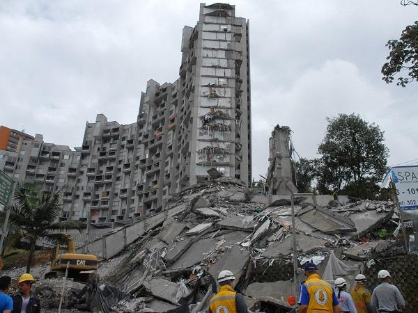 O clădire de 21 de etaje s-a PRĂBUŞIT în Columbia