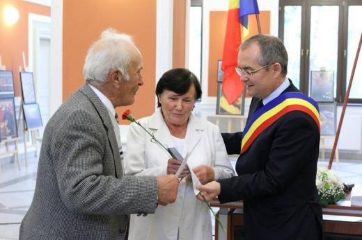 Emil Boc a premiat cuplurile clujene care au aniversat nunta de aur